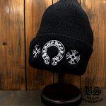 冬にピッタリ!のクロムハーツニット帽