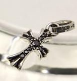 chrome hearts クロムハーツ メンズギフトにおすすめのネックレスs CHクロスベビーファットチャームwithパヴェブラックダイヤモンド