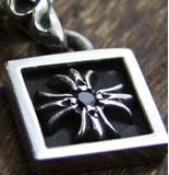 chrome hearts クロムハーツ メンズギフトにおすすめのネックレス フレームドCHプラスチャーム with ブラックダイヤモンド